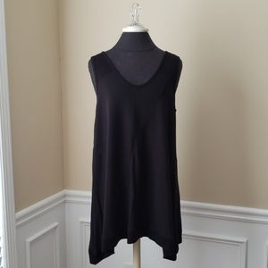 Cable & Gauge Black V-neck Tunic EUC Large texture